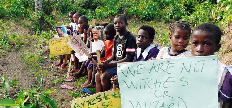 Father 'Eddy Murphy' en de heksen van Malawi